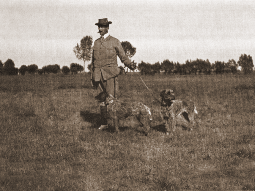 Baron von Gingins with Ironie and Double-zero, 1904.